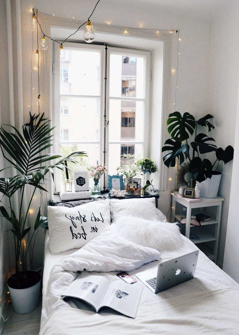 28 Awesome Aesthetic Apartment Bedroom Decoration Ideas In 2019 Small Bedroom Decor Cozy Small Bedrooms Simple Bedroom