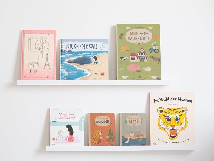 DIY-Anleitung: Schlichte Bücherleiste selber bauen via DaWanda.com