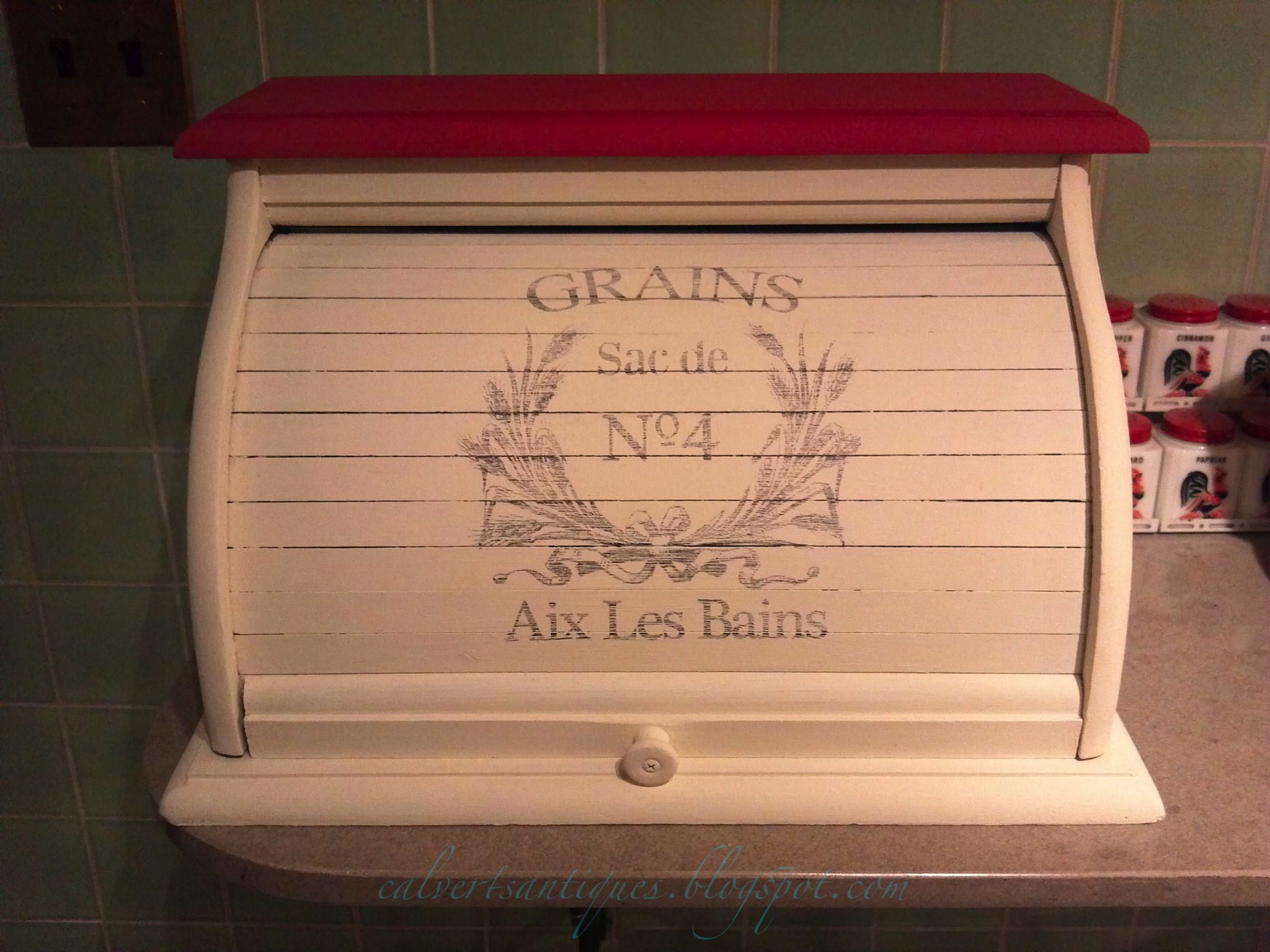 Tin bread box drawer insert - Vintage Pine Wood Bread Box Painted In White And Red Chalk Paint With French Typography