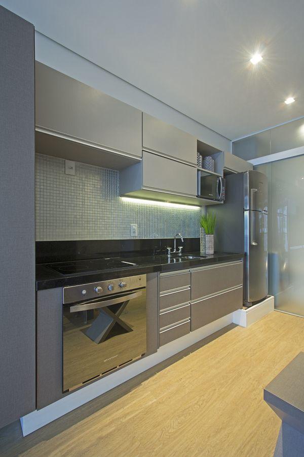 Loft de 40 m² utiliza divisões modulares para manter privacidade ...