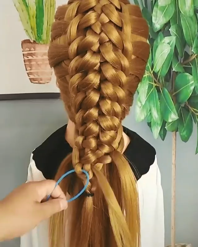 Amazing Braids Videos Drawing Amazing Braids For Long Hair Front Hair Styles Hair Tutorial