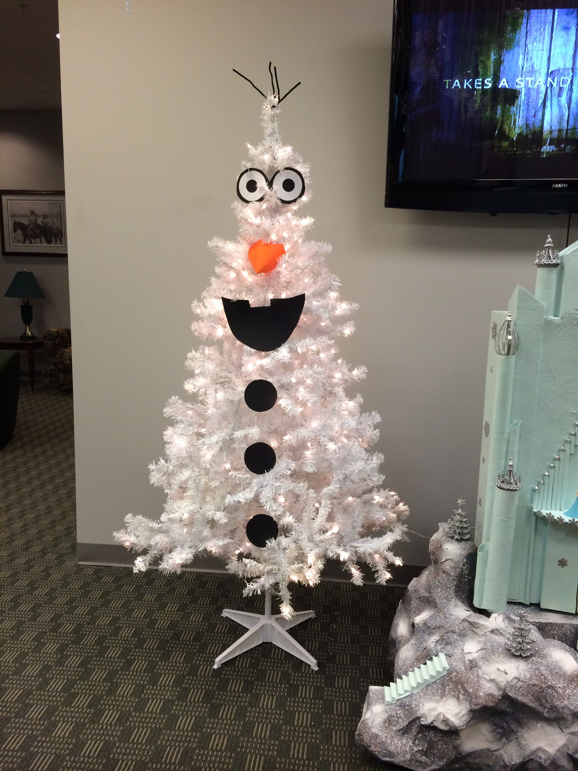 Olaf Christmas Tree (NSU) | DIY | Pinterest | Olaf and Christmas tree