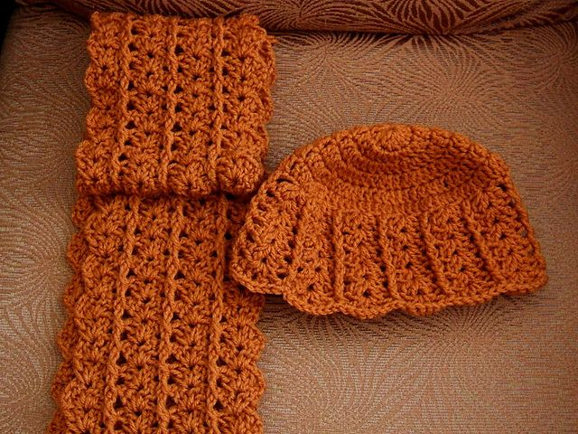 Ravelry: Project Gallery for Urban Shells Beanie pattern by Katherine Crombie