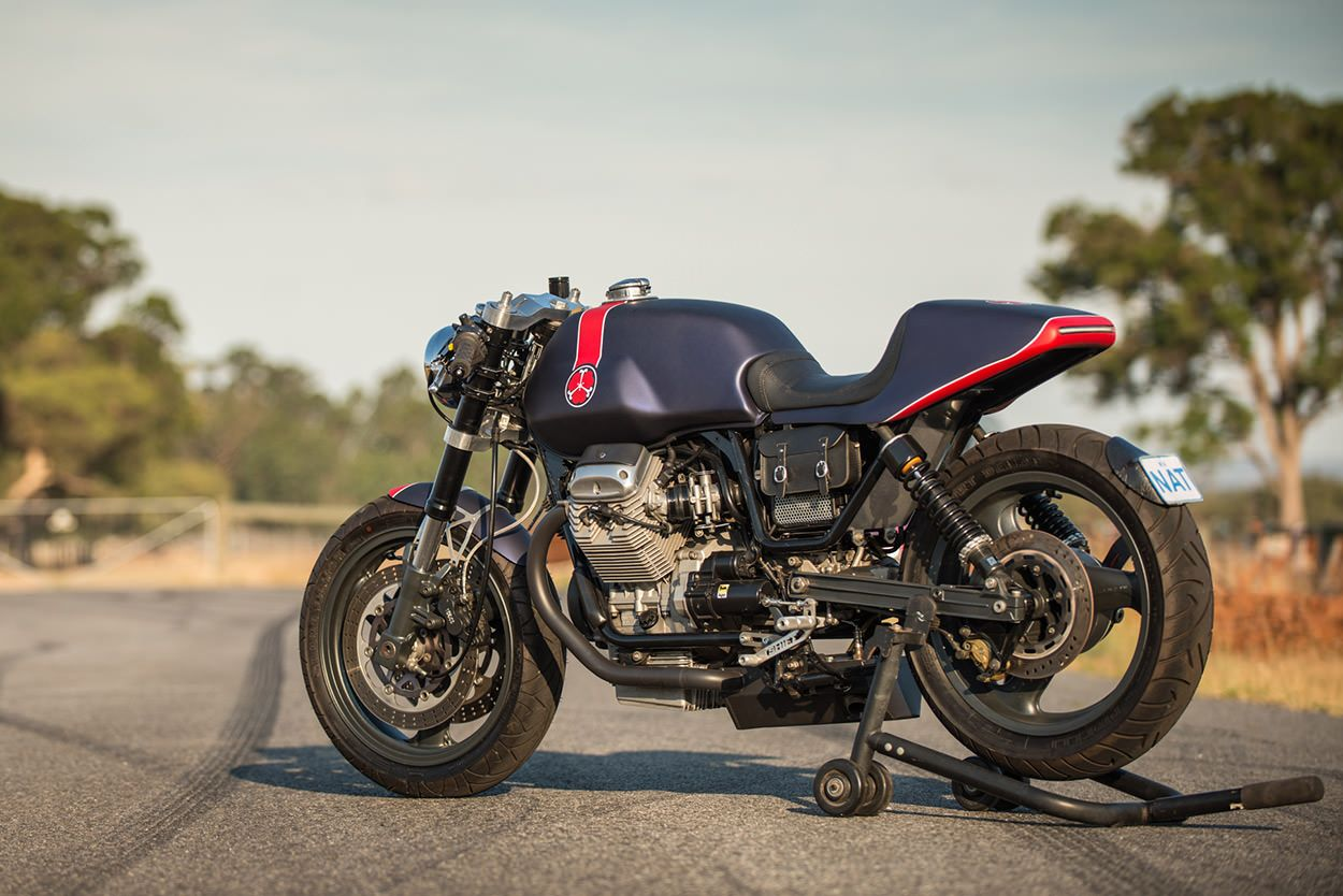 a guzzi cafe racer inspired by red bull f1 cars guzzi. Black Bedroom Furniture Sets. Home Design Ideas
