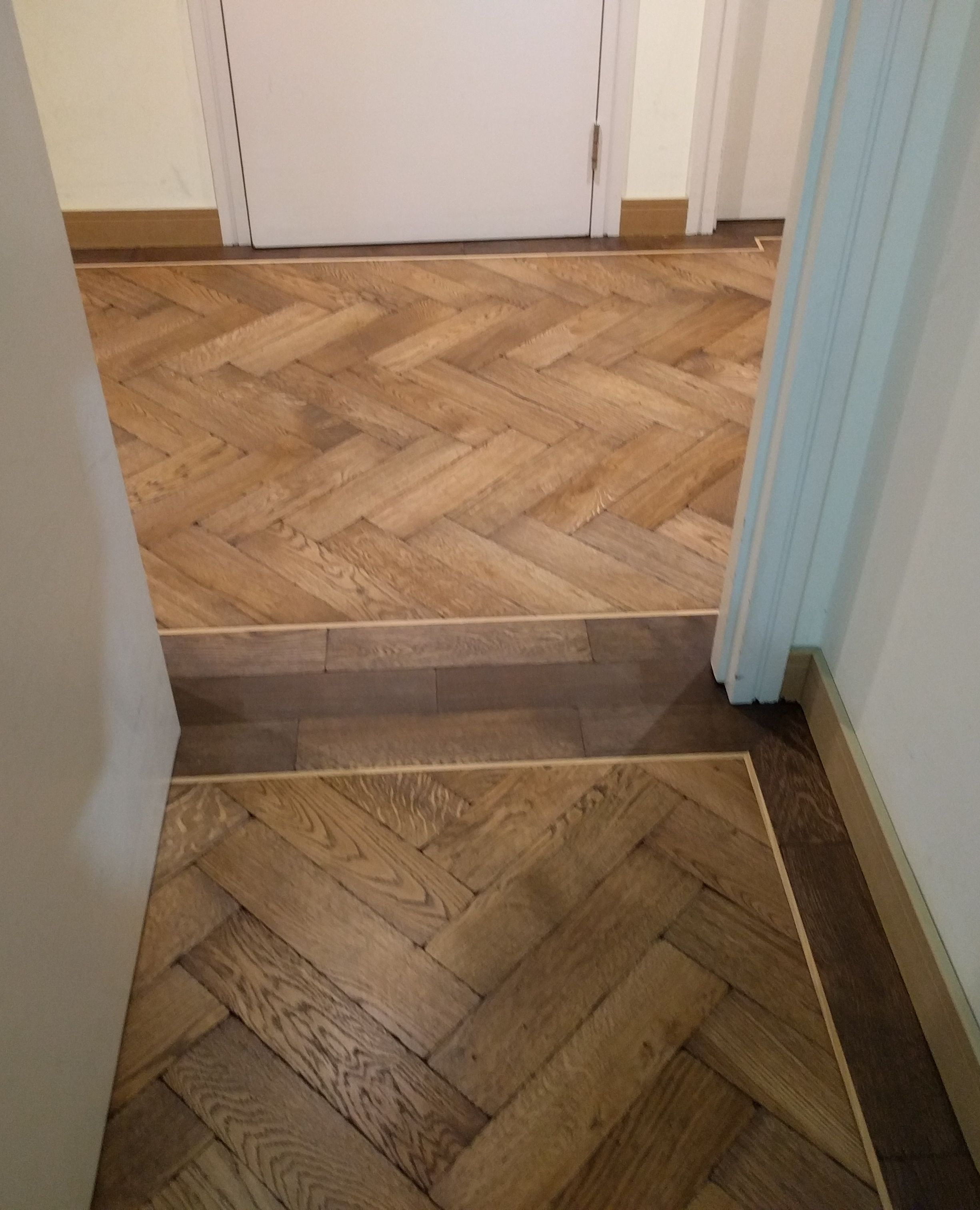 To Frame The Change In Direction Of This Wooden Floor We Created A Threshold Border To Frame The Floor R In 2020