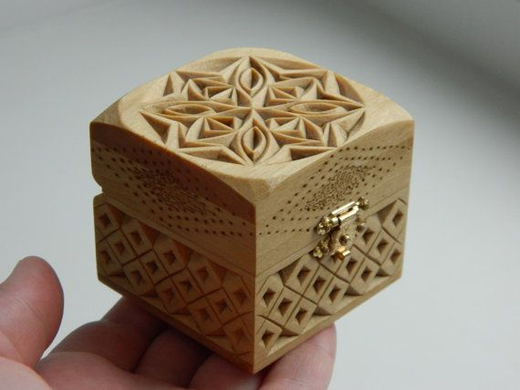 Snowflake chip carved hand wooden box linden