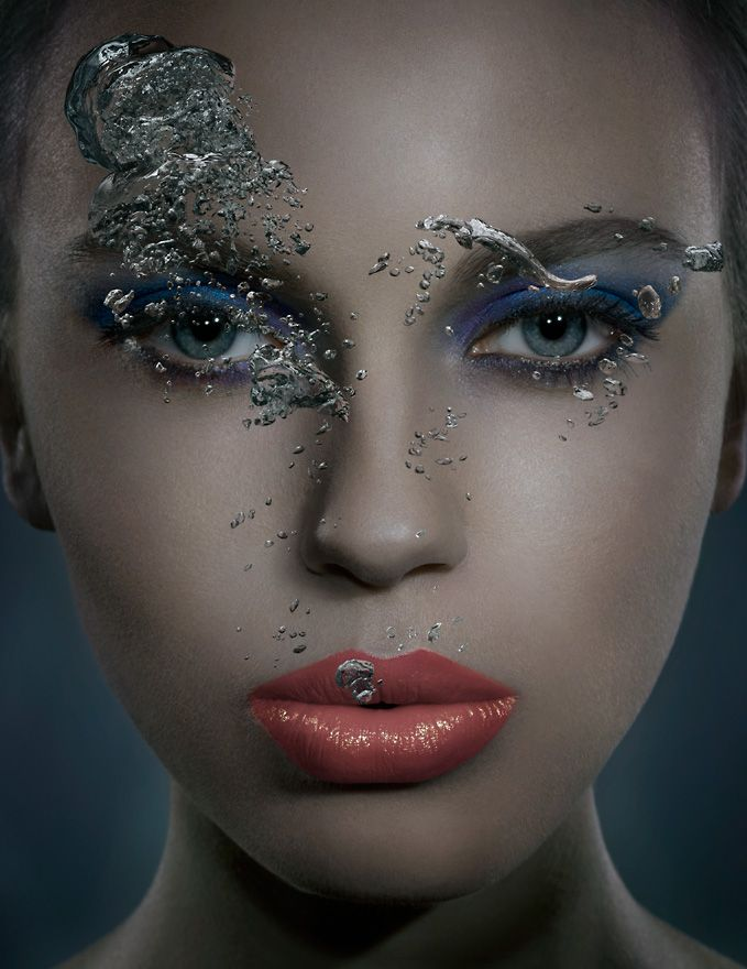 Underwater Beauty - Lips by Jonathan Knowles