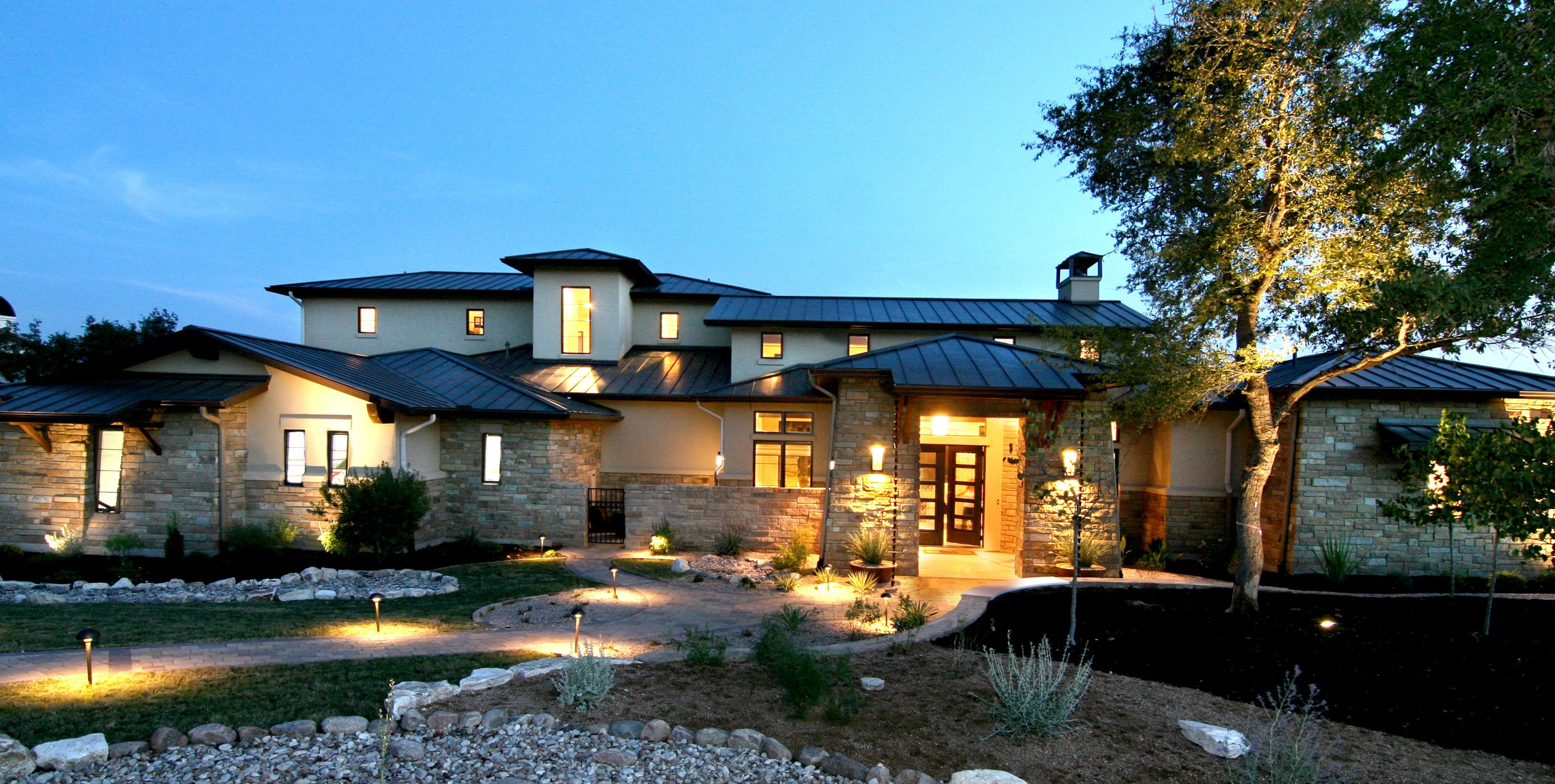 Texas hill country stone and siding home bing images for Modern house 52