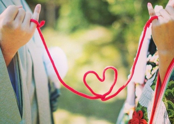 『運命の赤い糸』を結ぼう♡花嫁さんに大流行中の赤い糸は材料2つで手作りできる*