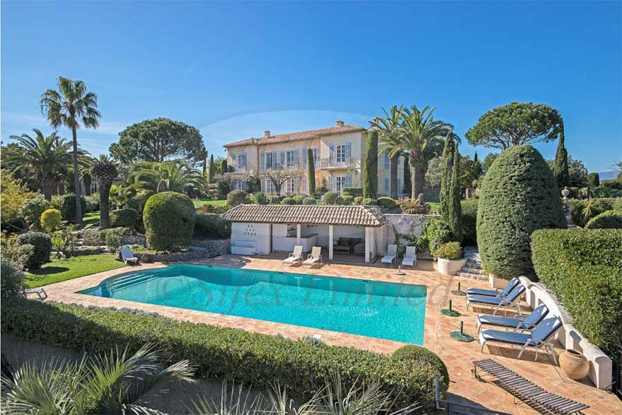 Elegant 1920's Bastide for sale with 180 degree views of