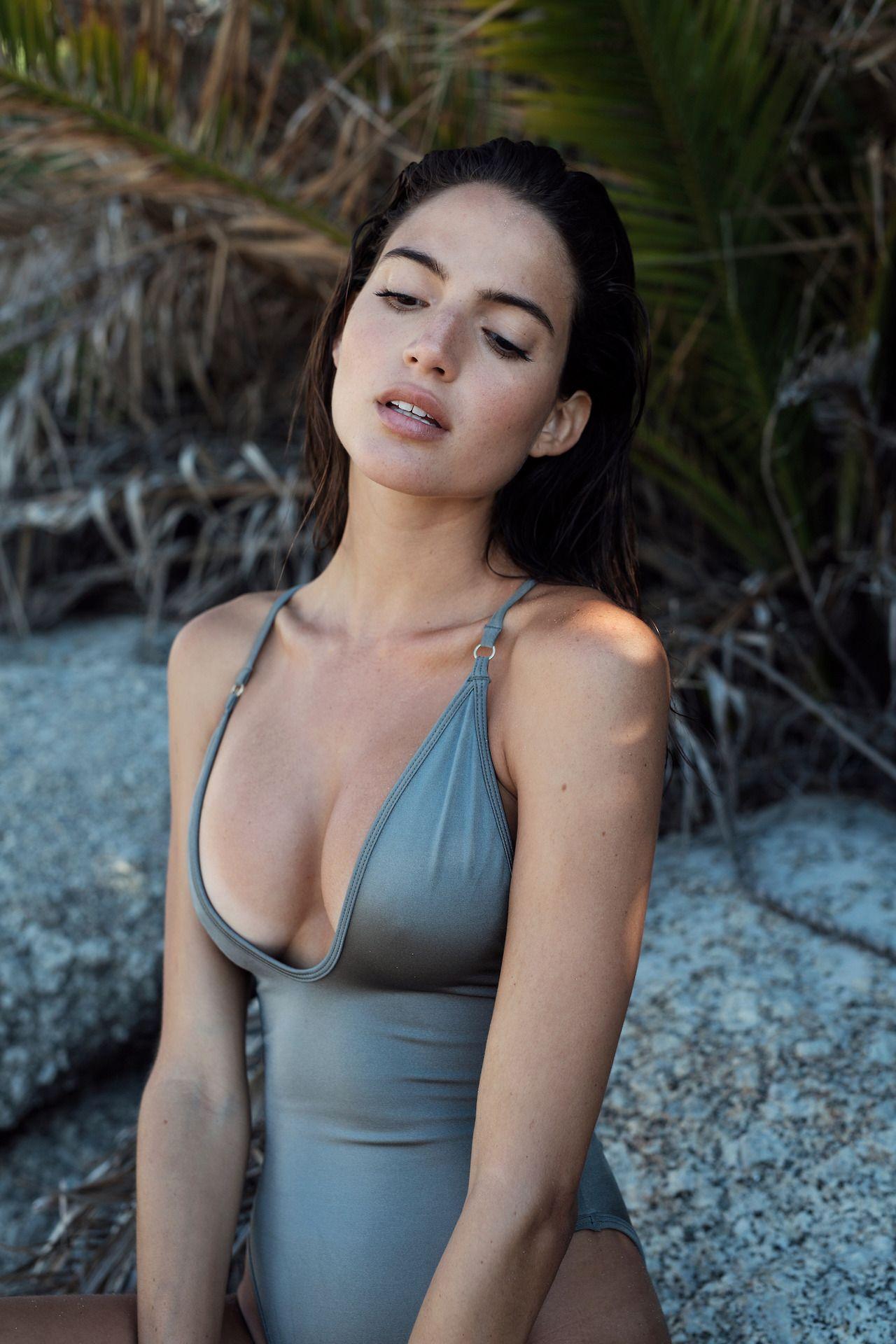 Young Rafaella Consentino naked (89 photos), Fappening