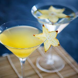 Twinkle Twinkle Cocktail and Mocktail: This delicious drink will add a heavenly touch to your shower.