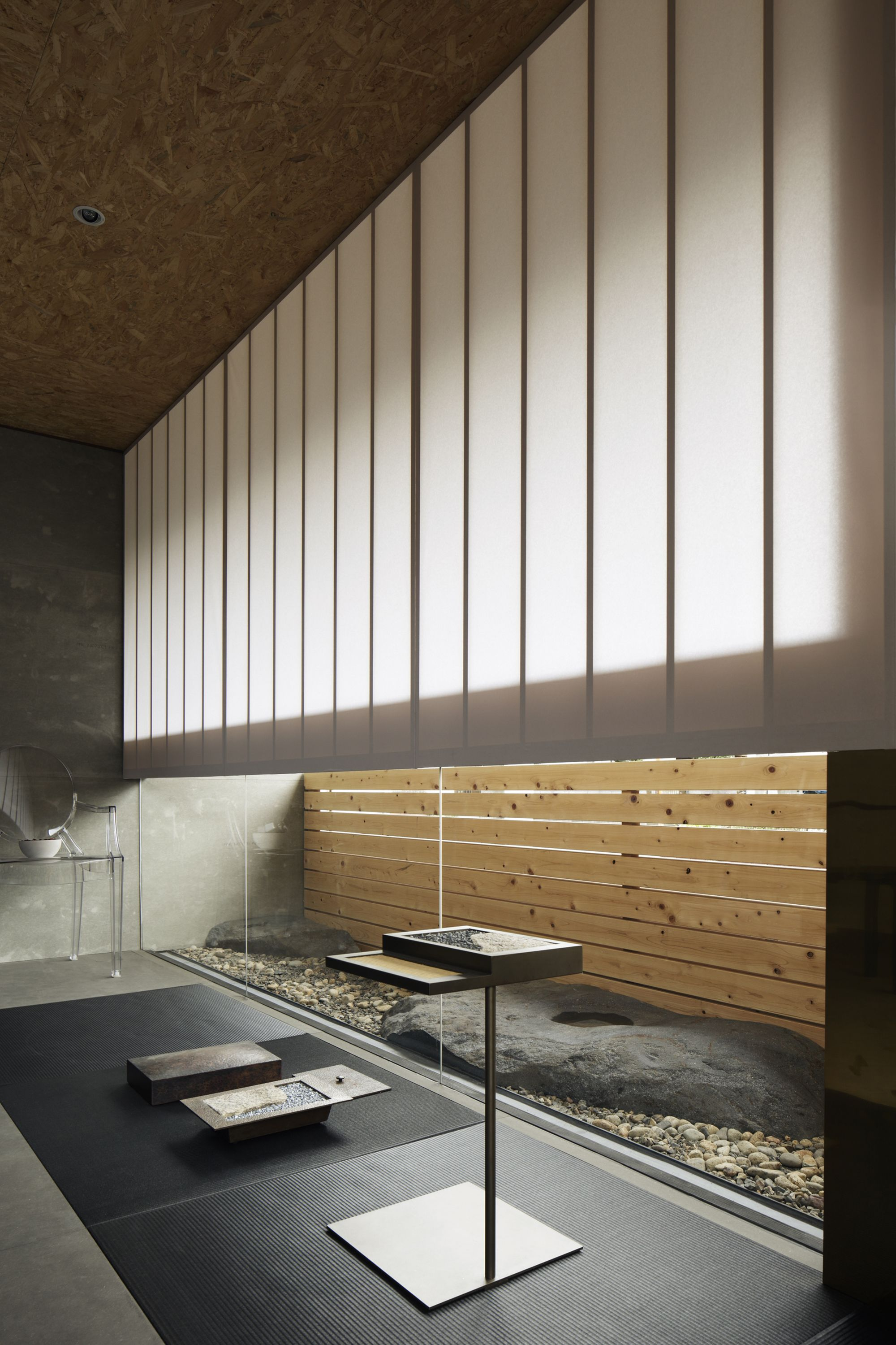 Gallery of enzo gallery and office ogawasekkei 2 in - Cheap interior detailing near me ...