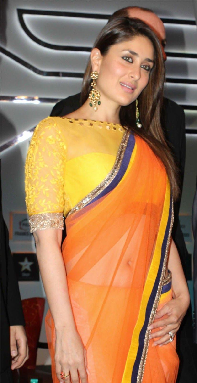 f0f09008ceb57d Kareena Kapoor Saree Blouse Designs #Blouse #Design #Saree #Bollywood  #India #KareenaKapoor