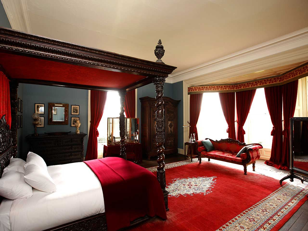 Alluring Red Bedroom Decor Ideas Decorating Design Of Best