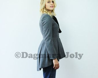 Women's short fitted jacket