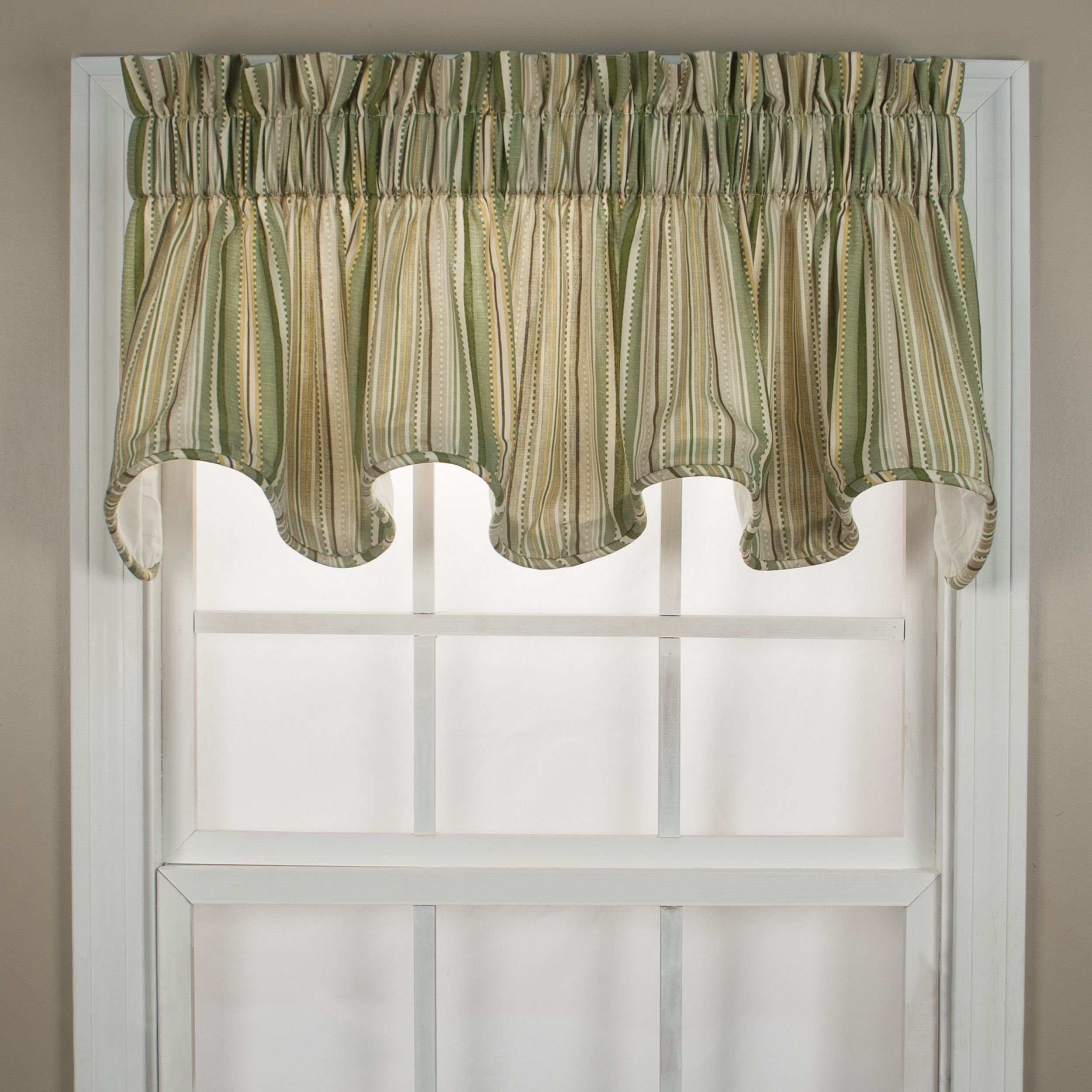 Highlight your windows with this elegant and flattering Kensington ...