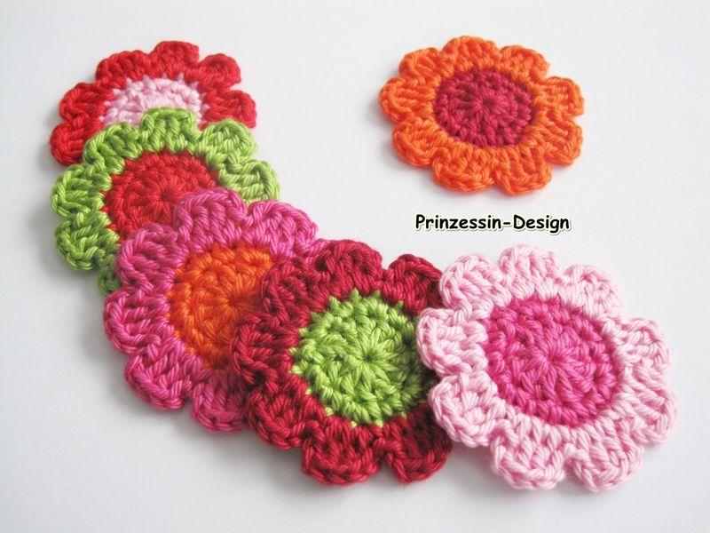 Häkelapplikationen - Häkelblumen 4,2 cm - ein Designerstück von Prinzessin-Design bei DaWanda
