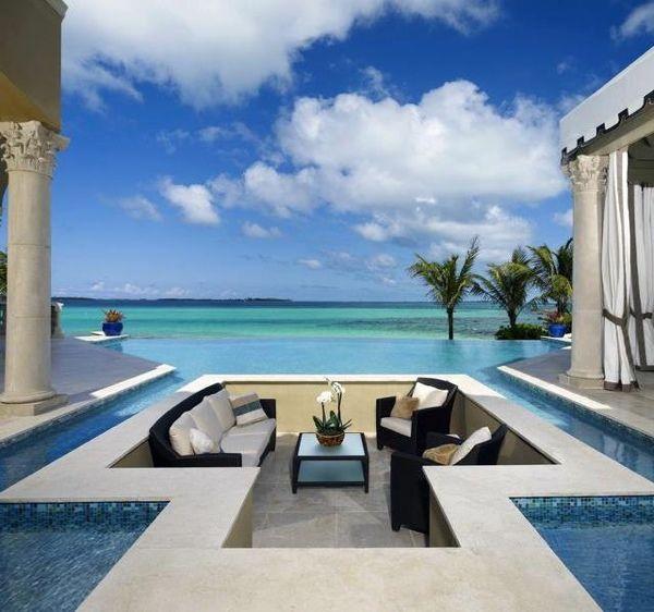 Stay at Paradise island, Maldives