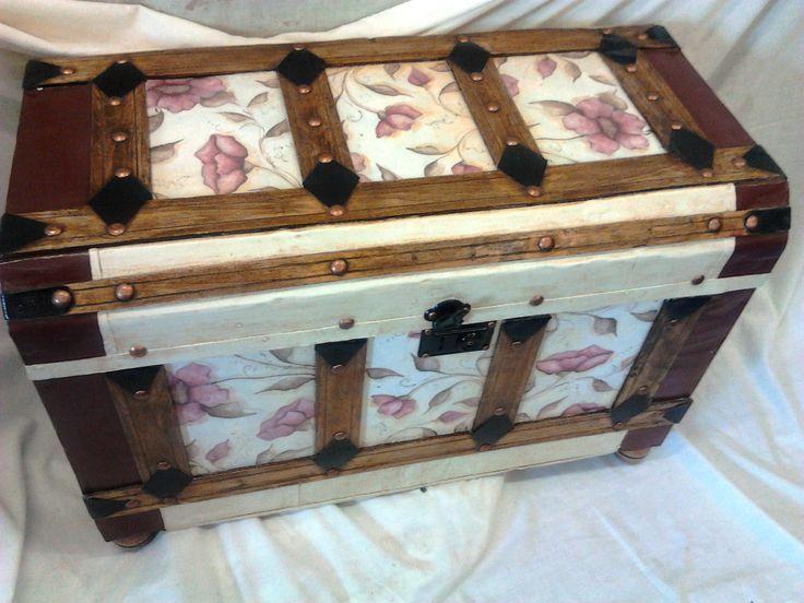 Resultado de imagen de baules restaurados for the home - Muebles decorados a mano ...