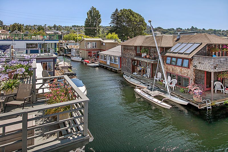 Seattle Floating Homes For Sale Floating House Floating