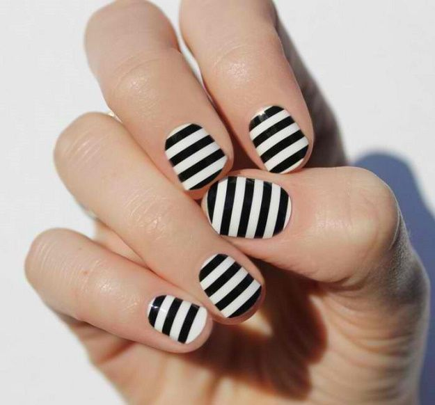 Most Elegant Black and White Nail Designs For Short Nails | White ...