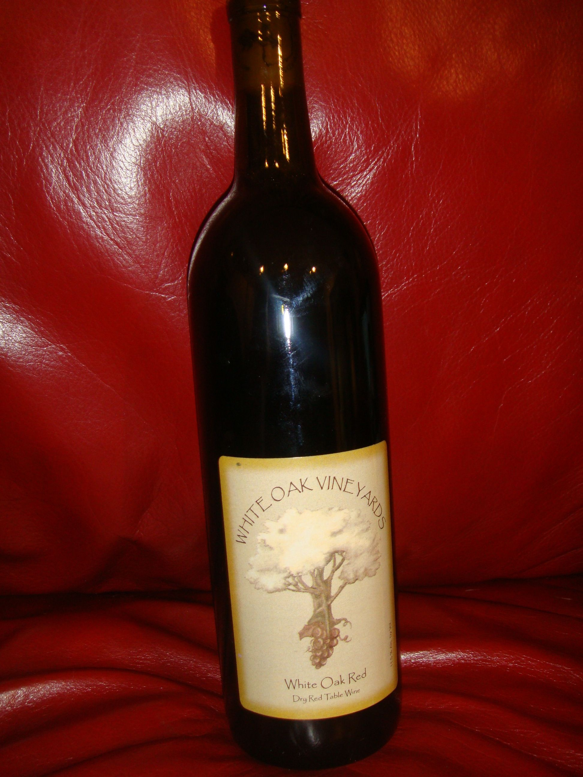 White Oak Dry Red By White Oak Vineyards In Cambridge Ia Wine Travel Wine Bottle Distillery