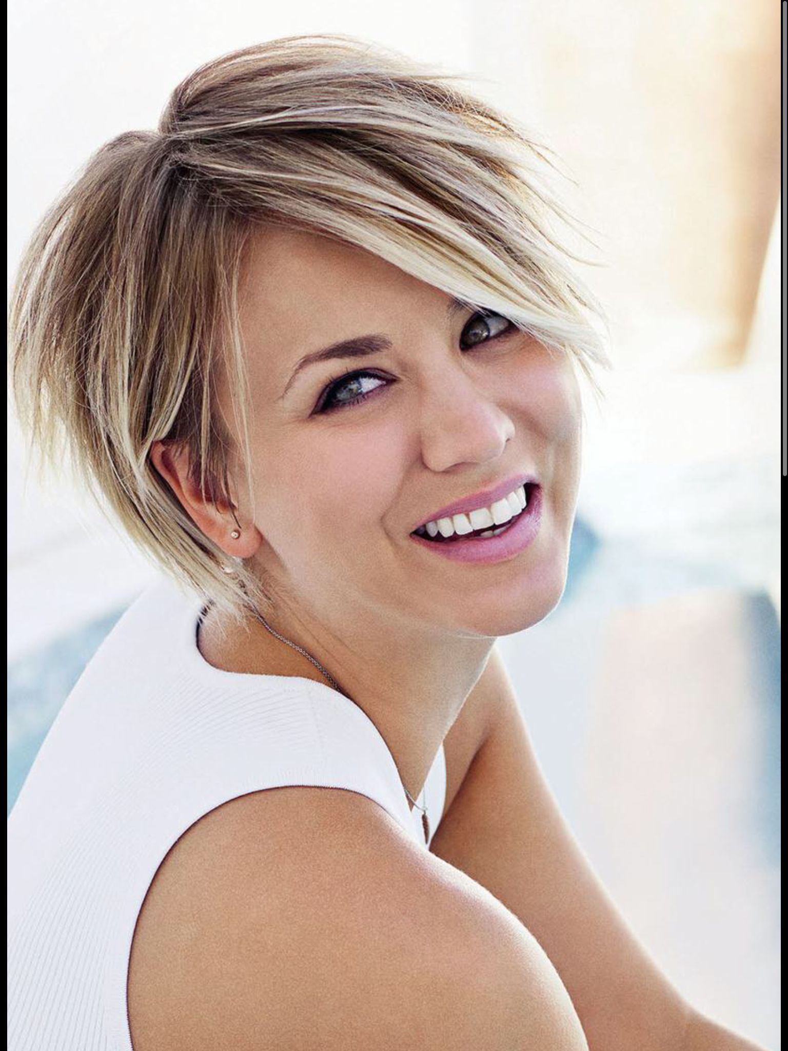 Love Kaley Cuocos New Haircut Pixie Haircuts Pinterest