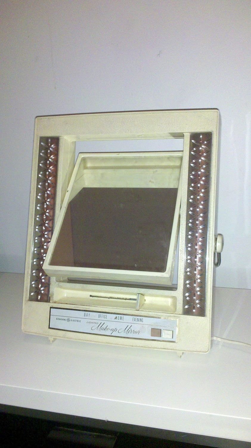 1971 General Electric Lighted Makeup Mirror You Could Slide A