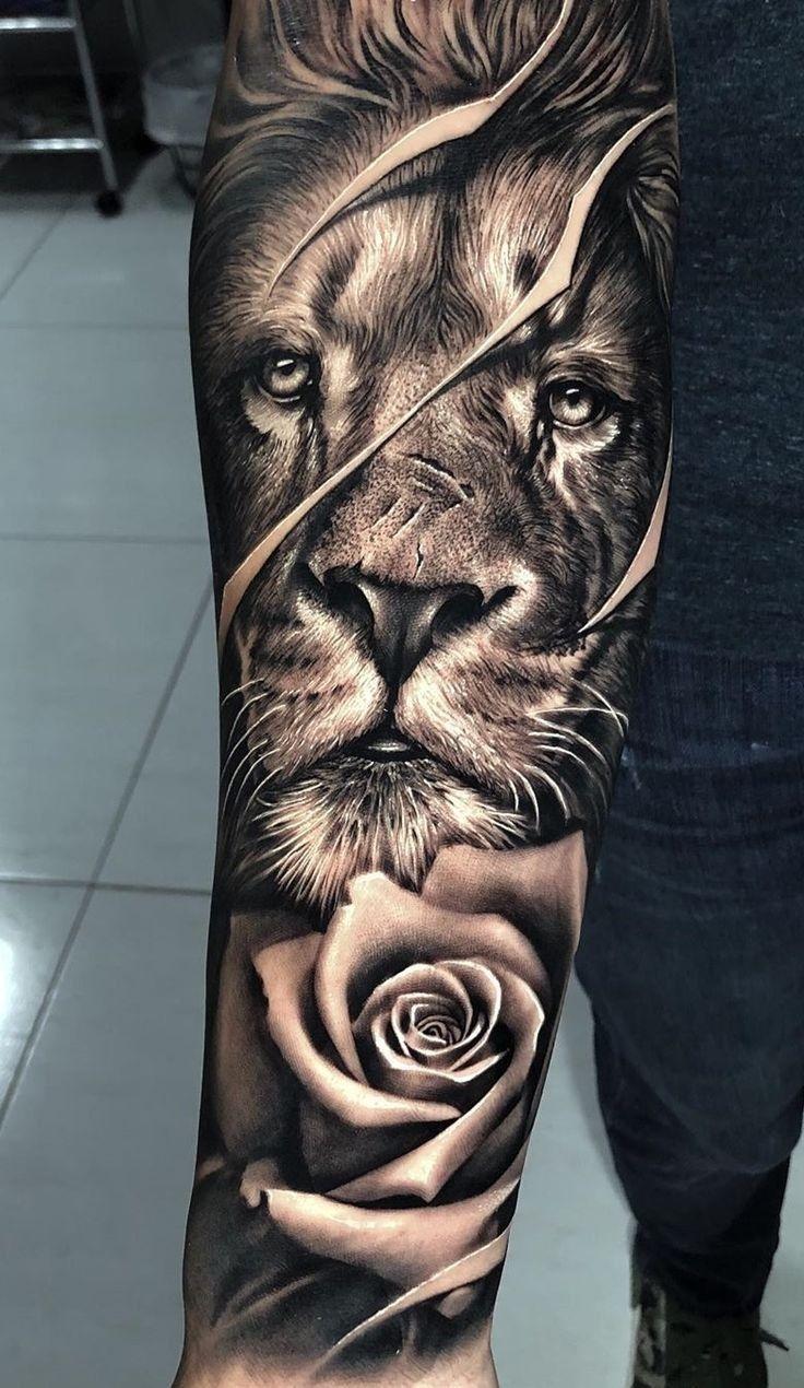 Tatouage Avant Bras Homme Motifs Et Styles Varies In 2020 Lion Tattoo Sleeves Forearm Tattoo Men Lion Forearm Tattoos