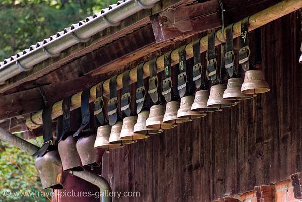 Cowbells Hanging From A Farmhouse Lauterbrunnen Switzerland Alps Cow Bell Switzerland