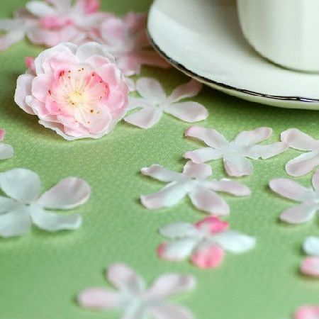 Flower confetti for th birthday decorations see more decorating and party ideas at one also rh pinterest