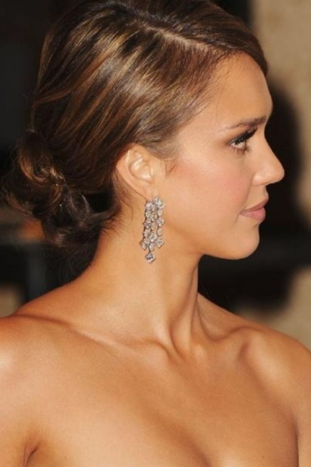 Jessica Alba // Hair and makeup | WHITE WEDDING inspo ...