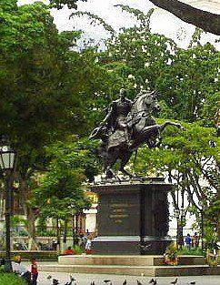 07-11-Antonio Guzmán Blanco inauguró la Estatua Ecuestre del Libertador Simón Bolívar en la Plaza Bolívar, Caracas.