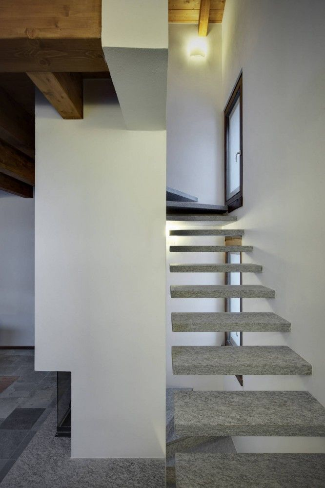 Casa Up By Es Arch Enrico Scaramellini Architetto Stairs