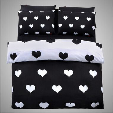 Lovely Black And White Heart Bed Sheets