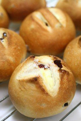 Buns もちもちクランベリーとクリームチーズパン [Cranberry Cream Cheese Bread]
