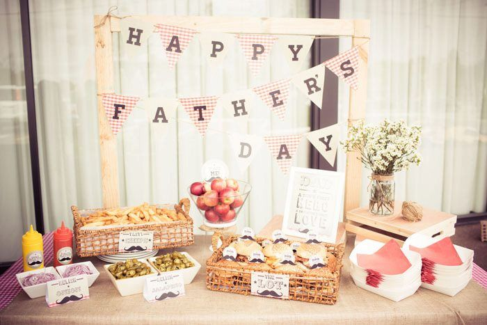 fathers day table - 700×467