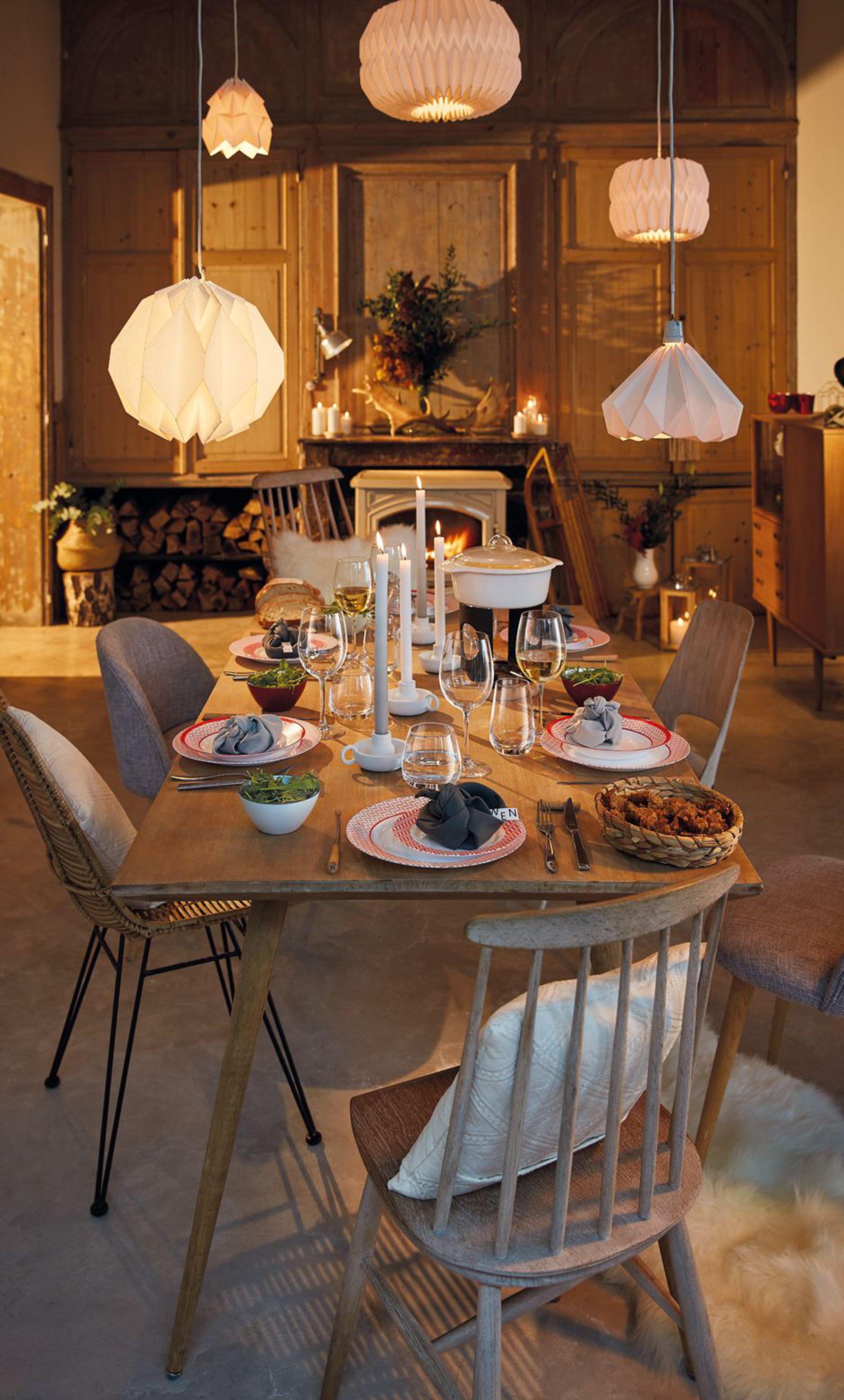 une salle a manger chaleureuse parfaite
