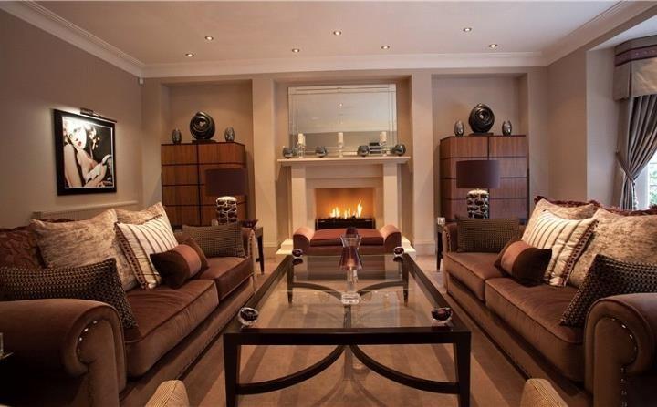 A Cosy Scottish Living Room, Glasgow. Interior Design And Decoration Ideas.  Scotland.