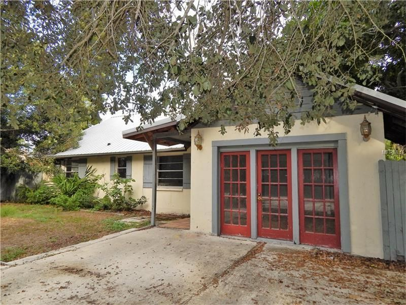http://www.propertypanorama.com/instaview/mfr/A4173307  West of the Trail location and close to Sarasota Square Mall, restaurants, boat launch and Siesta Key Beach. Large yard with room for a pool and fencing in place. Block home with metal roof. Corner lot with fruit trees and mature landscape. This home has lots of space including two living areas. Solid surface counters in kitchen, split floor plan, tile through out, wood burning fireplace, two large pantries in kitchen and more. Come…