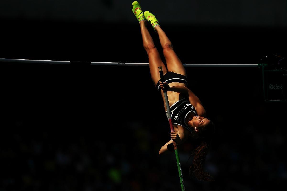 Rio Eliza McCartney into Pole vault final - Newshub