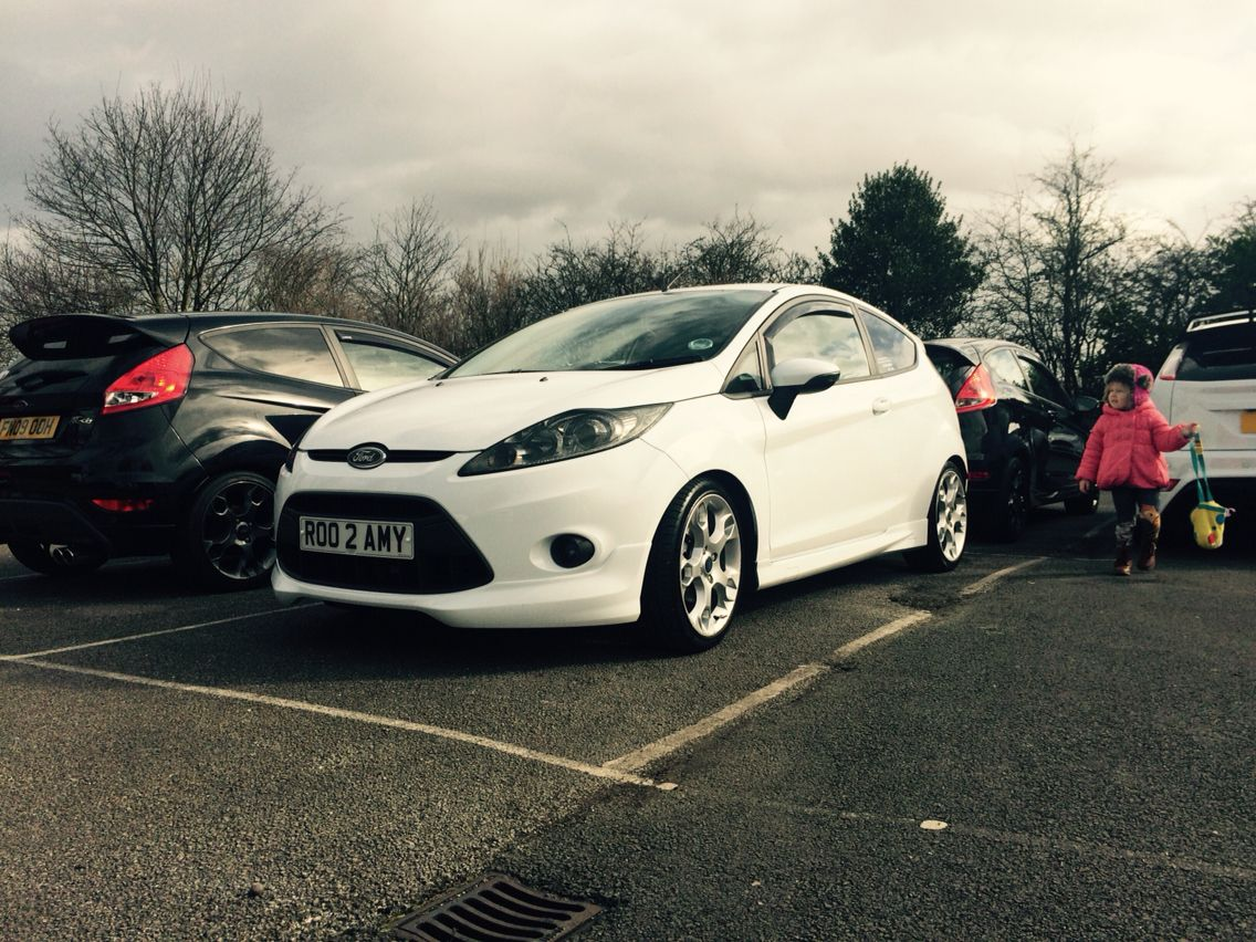 Ford Fiesta Zetec S Mk7 Featuring Fly Eye And Lowered On 40mm Springs