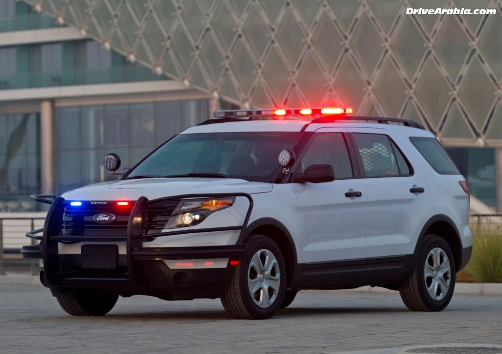 Ford 2013 Explorer Cops First Drive 2013 Ford Taurus Explorer Police Interceptor At Yas Police Cars Ford Police Police Truck