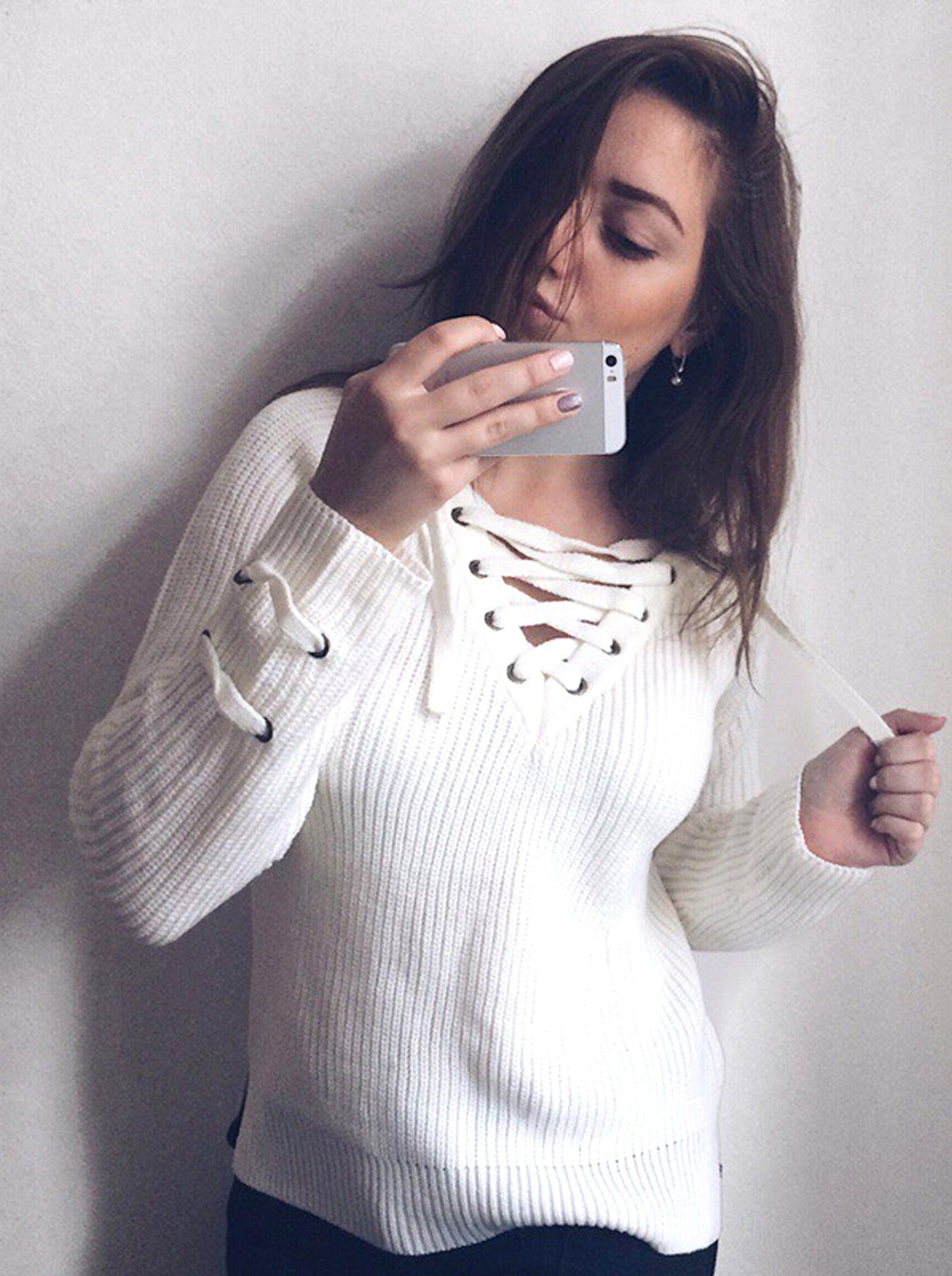 Cute Casual Spring Outfit Ideas for Teen Girls for School - Lace Up Criss  Cross Knitted Pullover Sweater with Jeans - Ideas lindas del equipo de  primavera ... e2c85791c