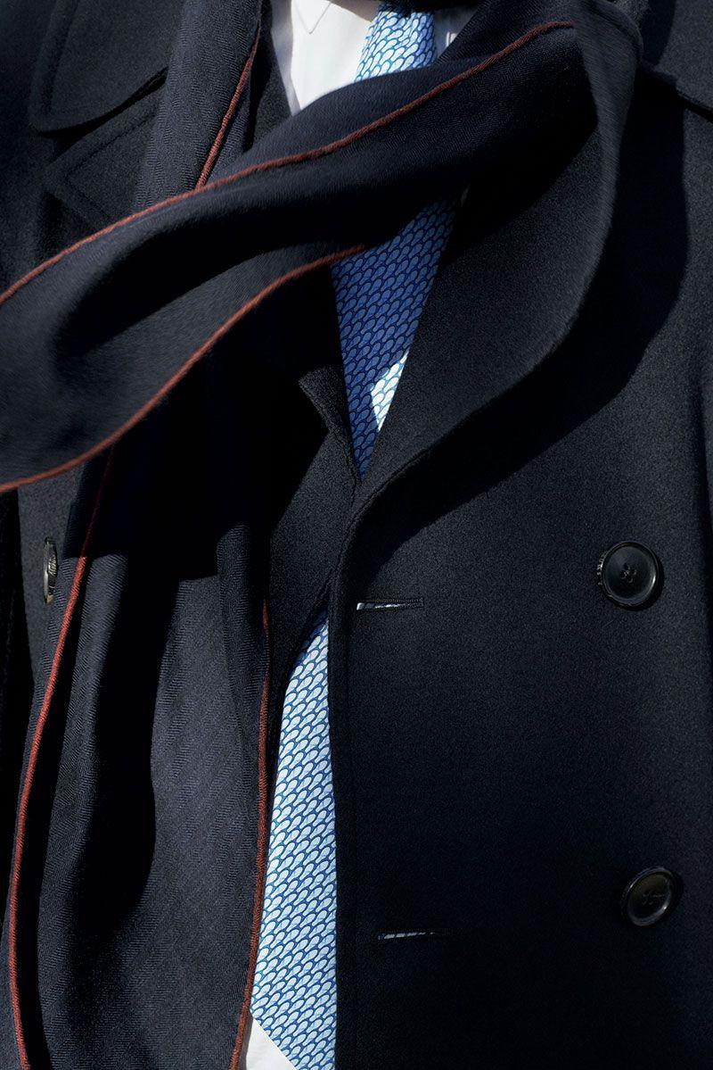 TIED UP  Heavy twill de soie, 8cm. Hermès Fall-Winter 2013.