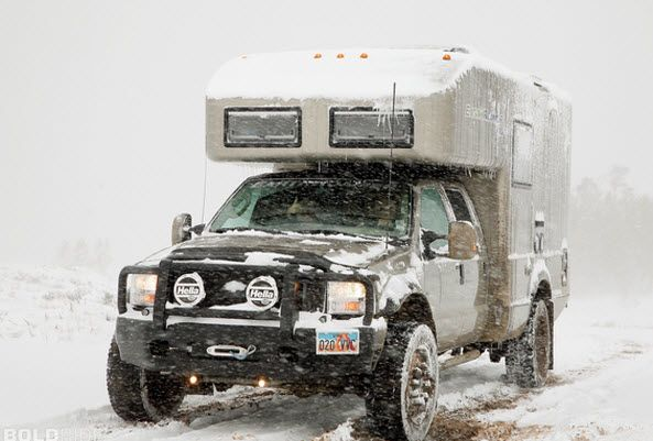 EarthRoamer XV-LTs are built on four wheel drive 4X4, turbo diesel powered, Ford F-550 / Off Road Camping