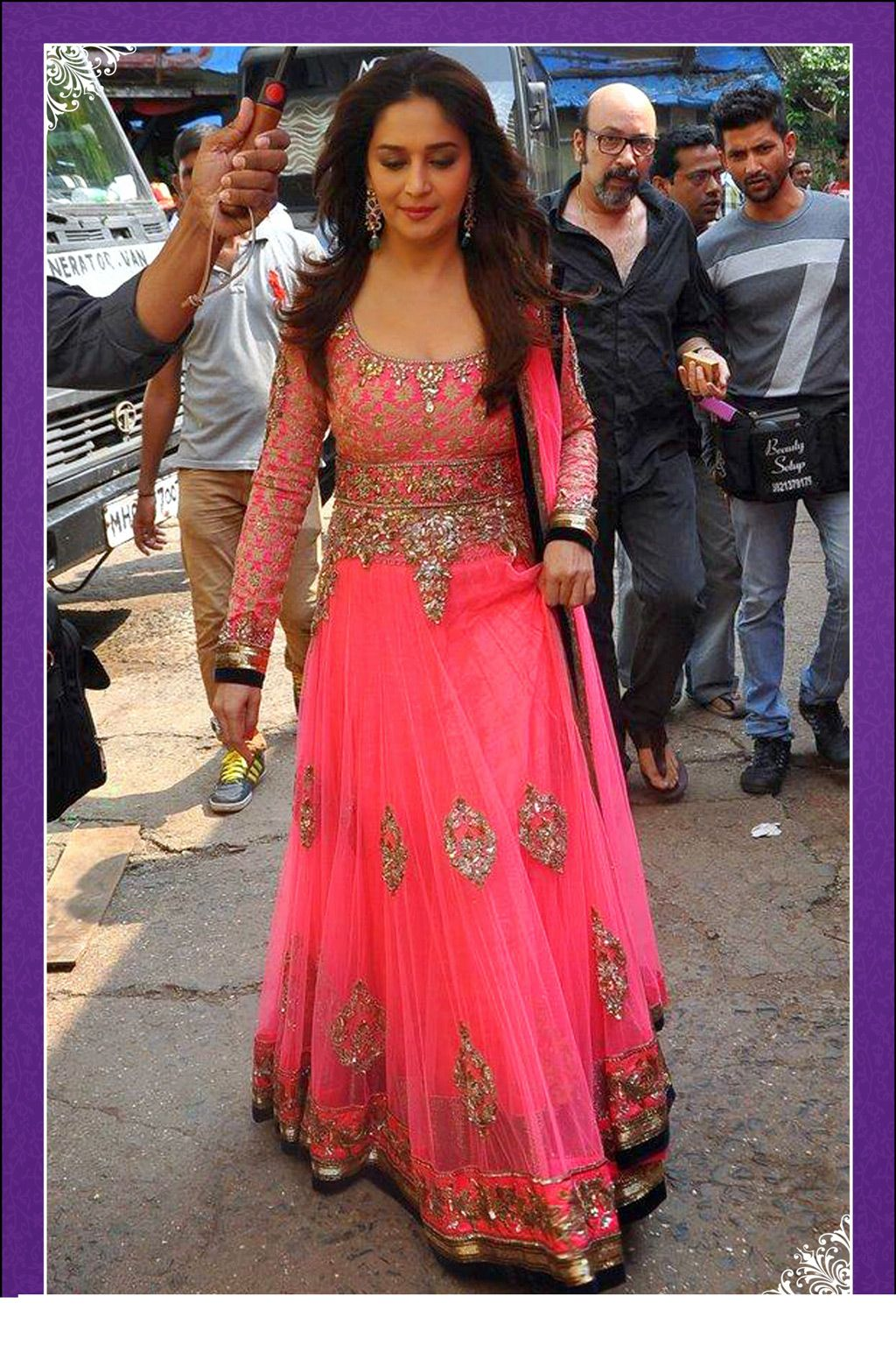 Desi Fashion Madhuri Dixit Extra Gorgeous In Pink Embellished Floor Length Anarkali Suit Indian Outfits Saree Designs Anarkali Suits Bollywood