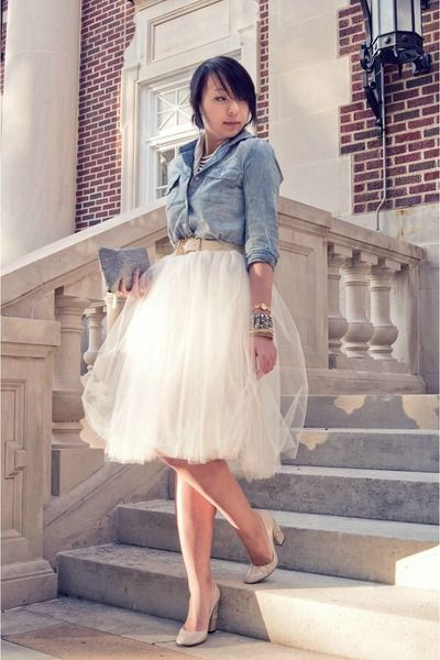 59ac441fd94 denim shirt and cream skirt look