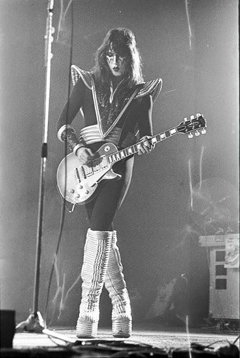 Ace Frehley 76 Ace Frehley Kiss Rock Bands Kiss Army